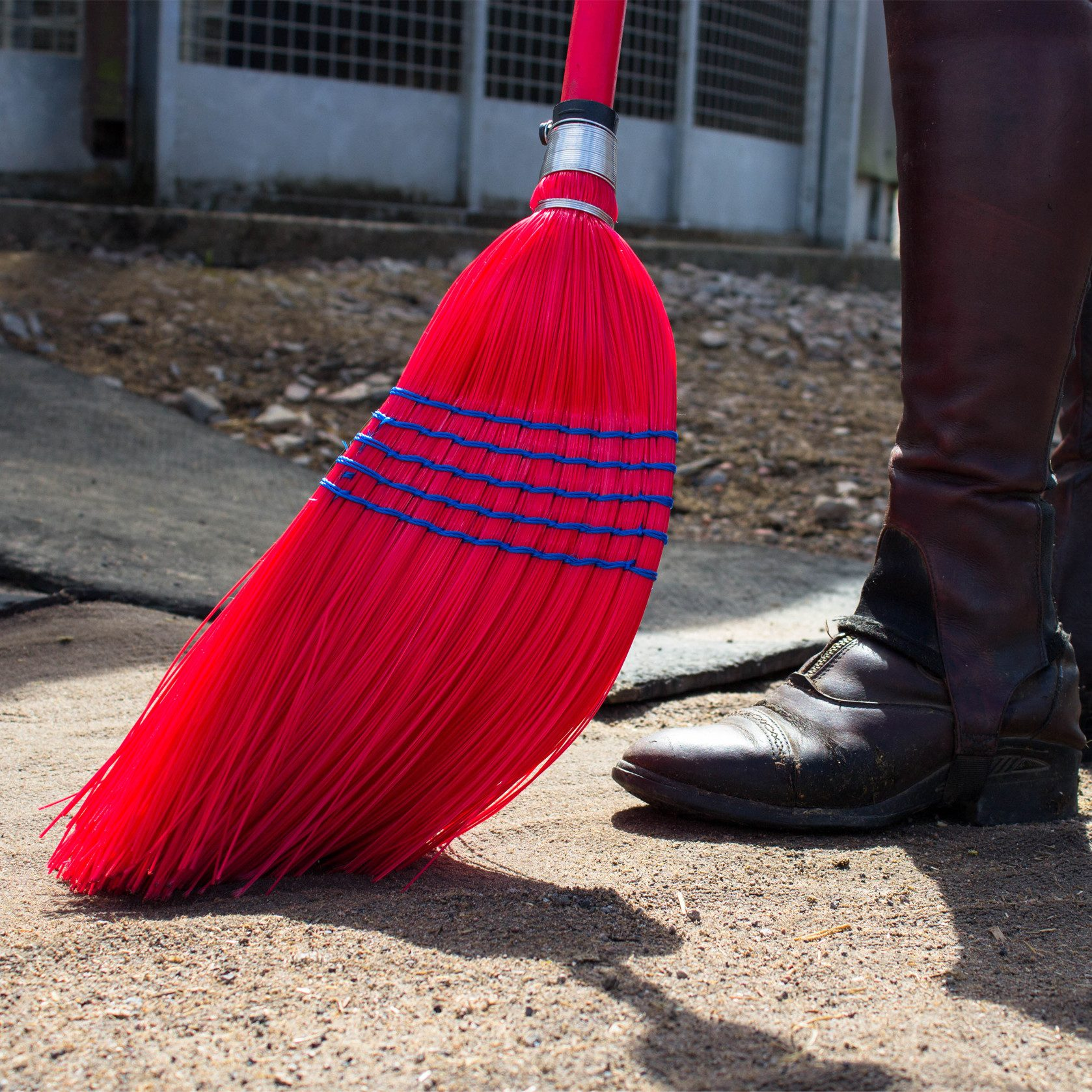 NEW RED GORILLA CORN BROOM COLOURED HANDLE HORSE STABLE CLEAN SWEEP BRUSH GARDEN